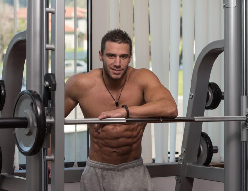 Wady i zalety treningu siłowego na maszynach - sunela.eu