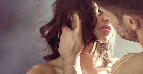 połączyć się, co oznacza pocałunek