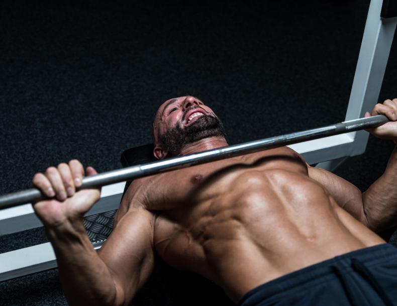 b5fea3c8c53237 Pierwsze kroki na siłowni · Ćwiczenia na klatkę piersiową. Jaki trening  klatki piersiowej będzie najlepszy?